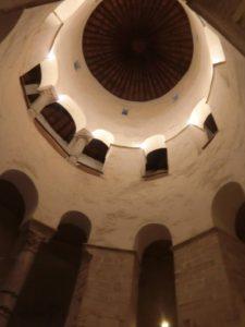 聖ドナト教会内部